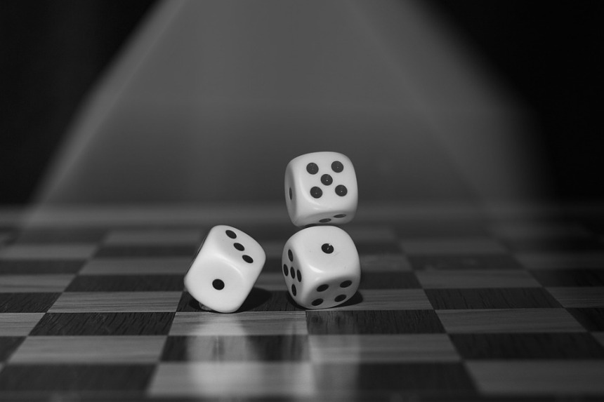 roll-the-dice-1502706_960_720pixabay